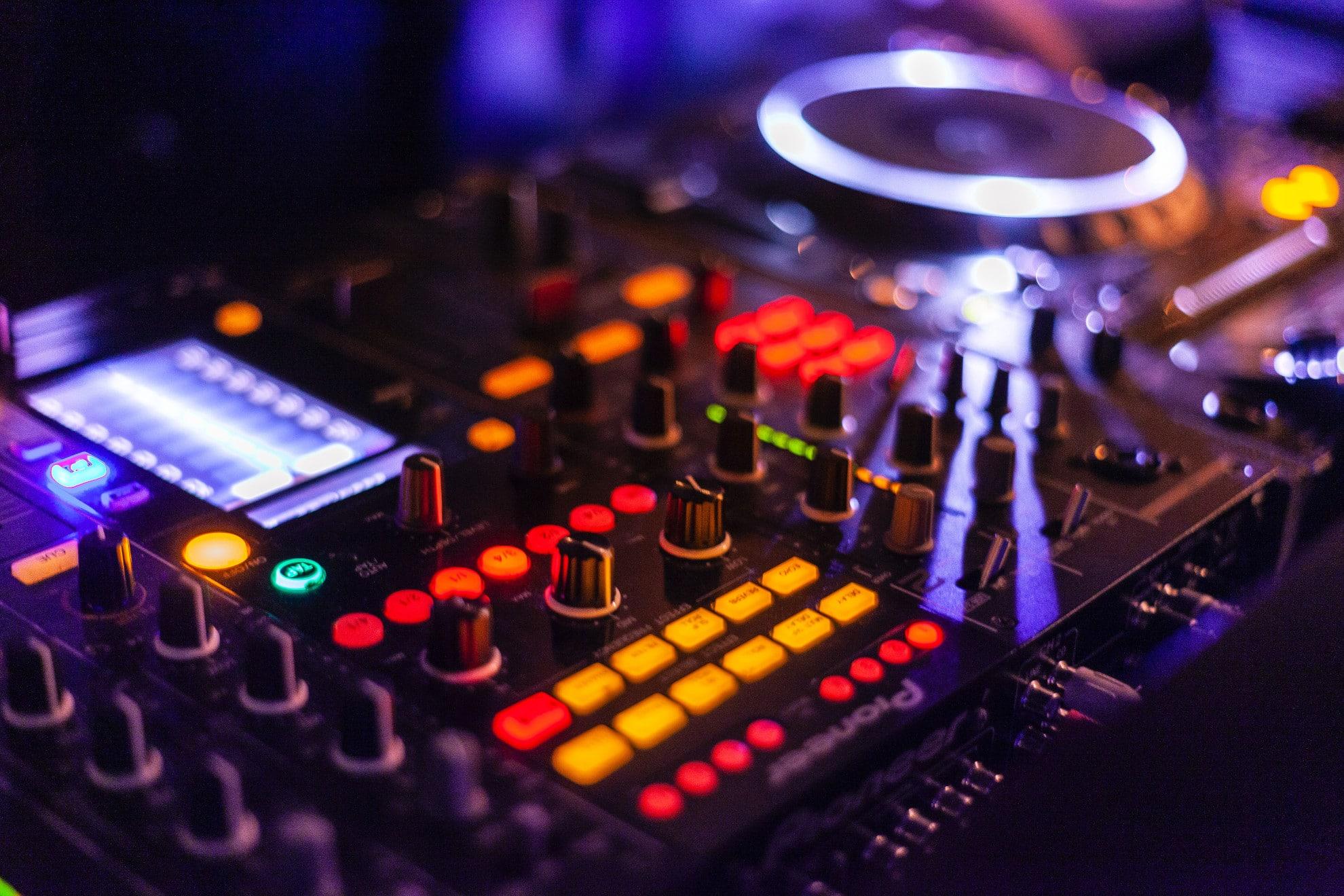oprawa muzyczna imprez firmowych